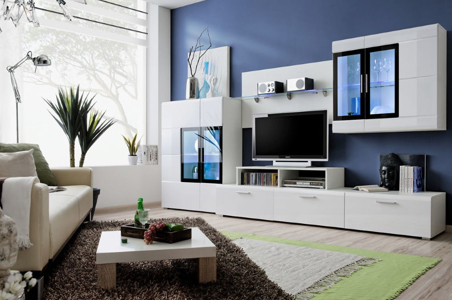 Меблировка гостиной белой мебелью