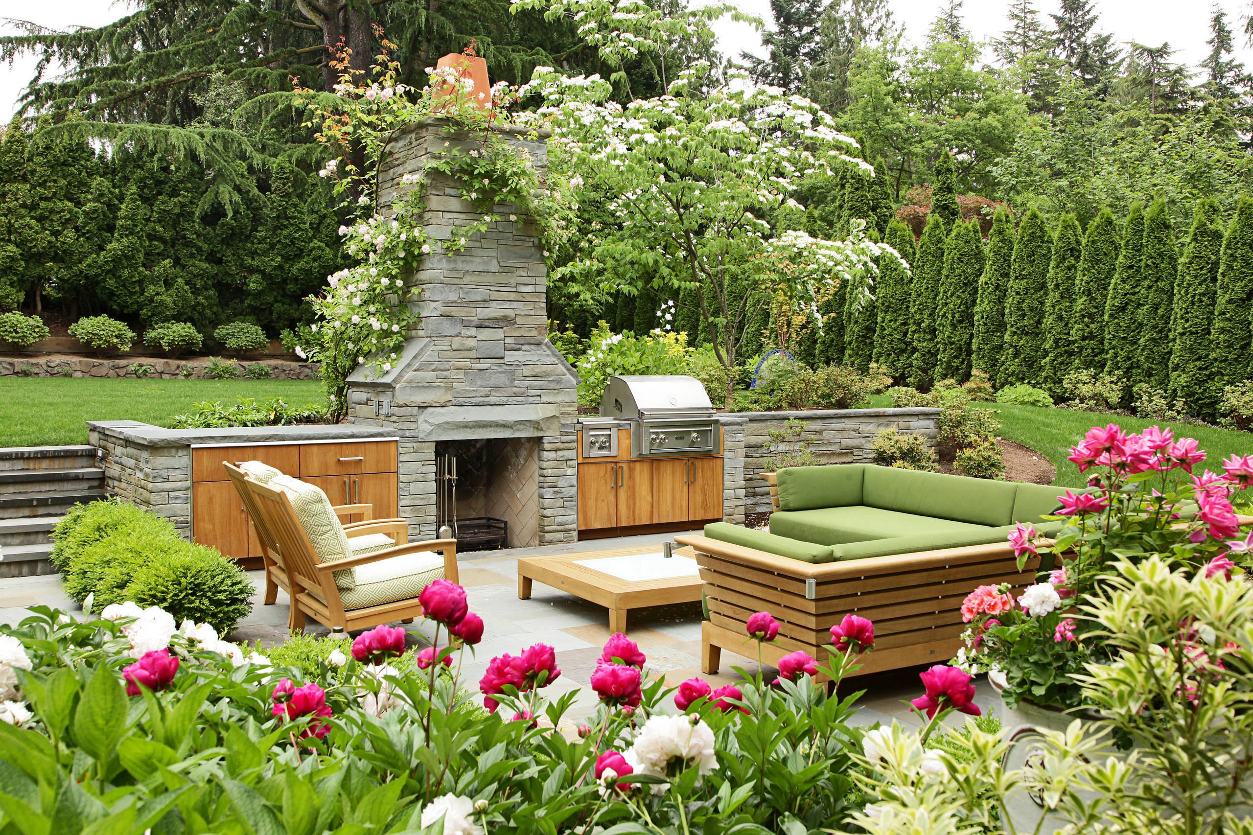 Растения для дома и сада. Как обустроить дачный участок