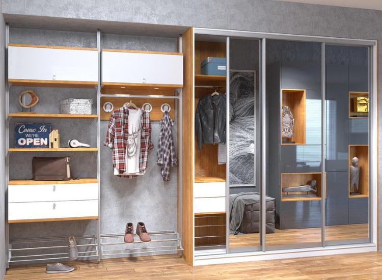 Комбинированный шкаф в прихожей комнате