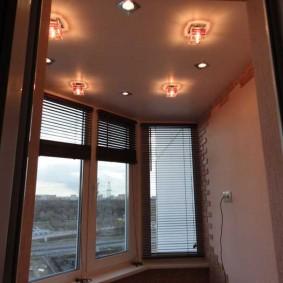 освещение на балконе виды оформления