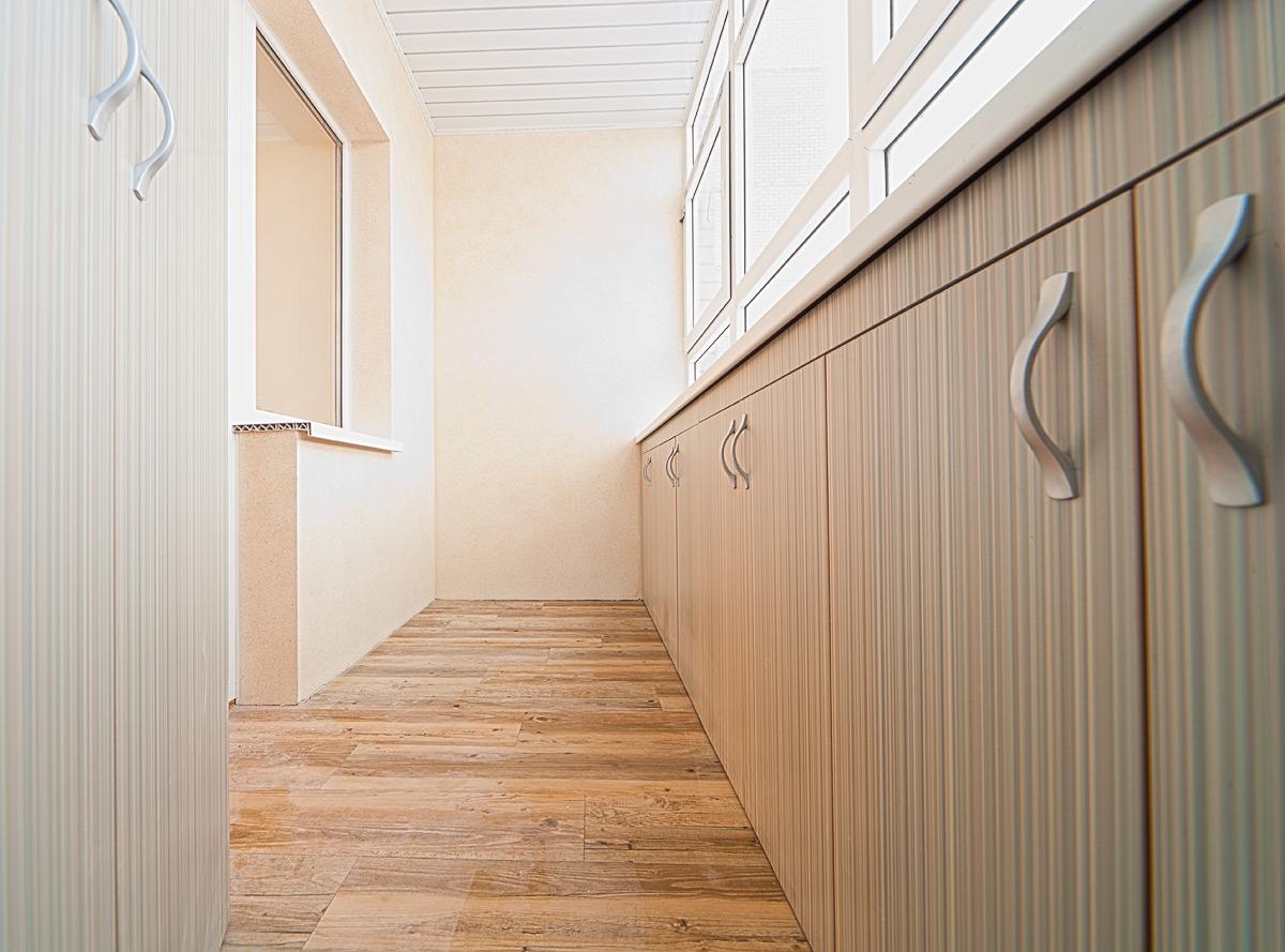 отделка балкона ламинатом дизайн