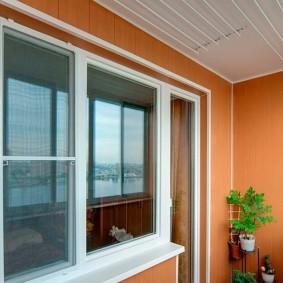 отделка балкона пластиковыми панелями фото оформления