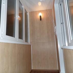 отделка балкона пластиковыми панелями оформление идеи