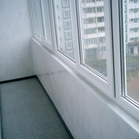 отделка балкона пластиковыми панелями варианты идеи