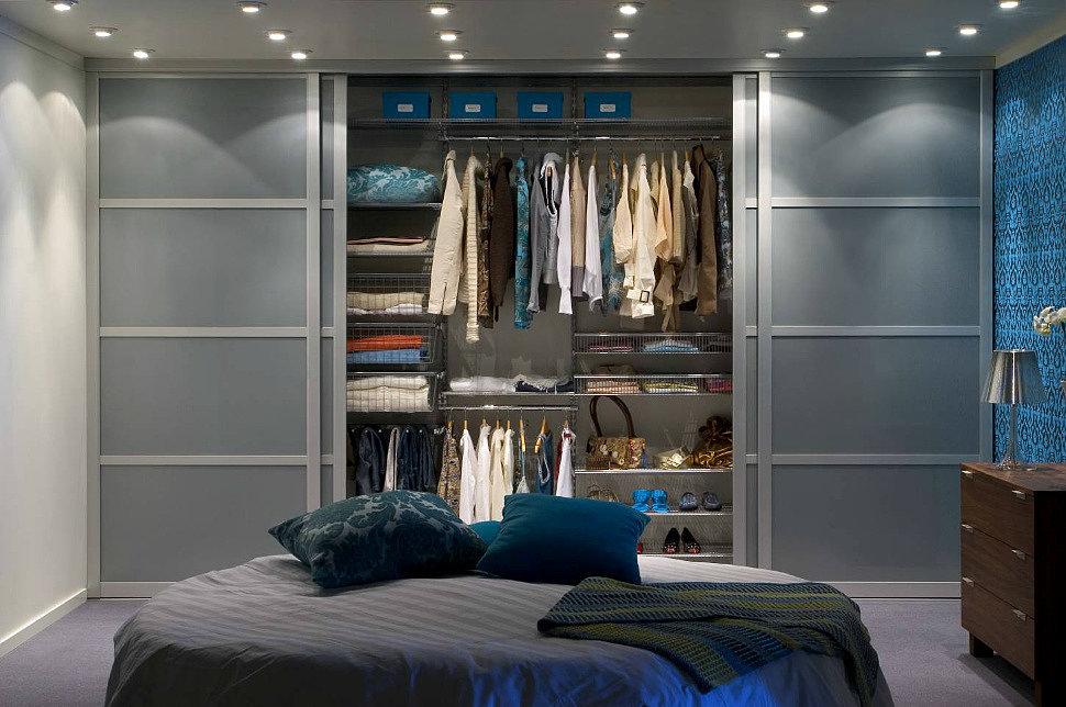 Четырехстворчатый шкаф-купе в роли гардеробной