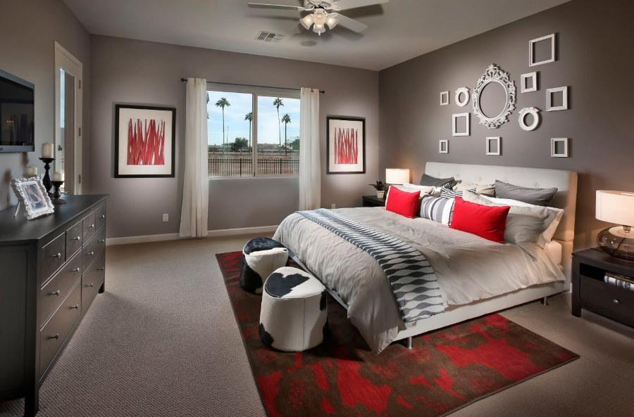 Красно-пепельная спальня для молодых супругов