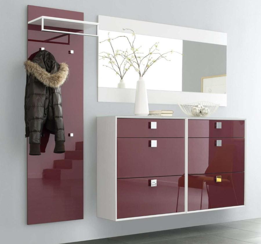 Подвесной шкаф с глянцевыми фасадами
