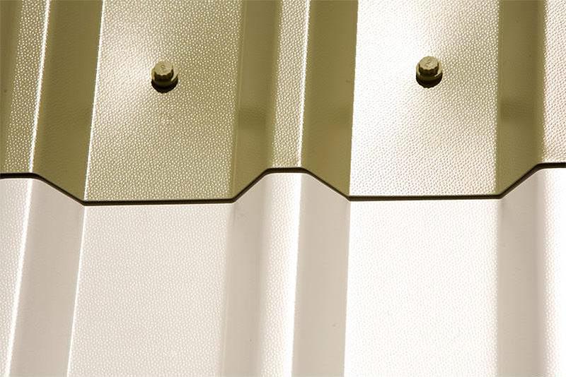 Защитно-декоративное покрытие пластизол на профнастиле