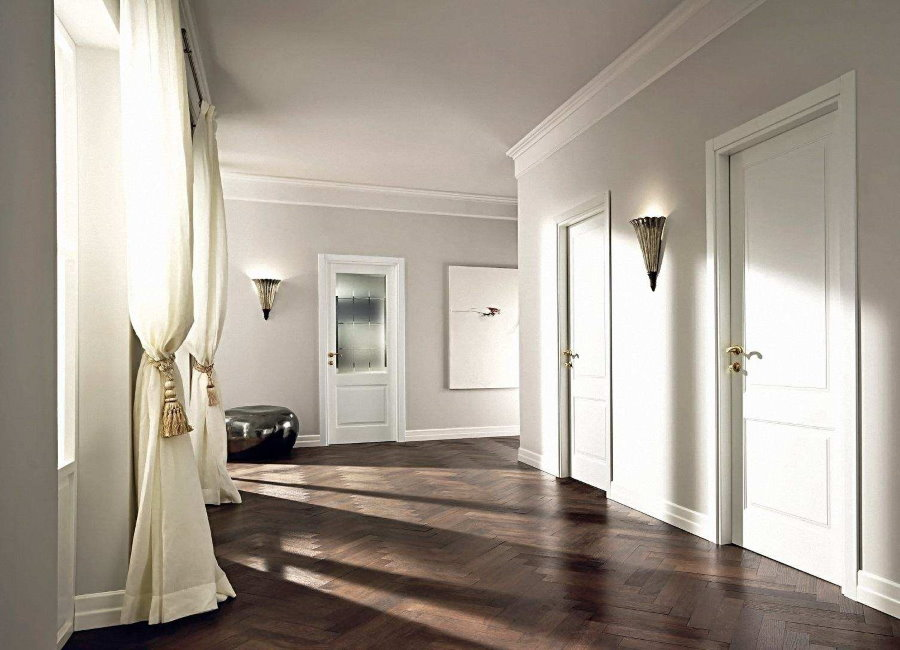 Холл в 4-х комнатной квартиры панельного дома