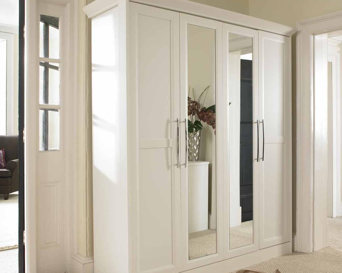 распашной шкаф в прихожую белый с зеркалом