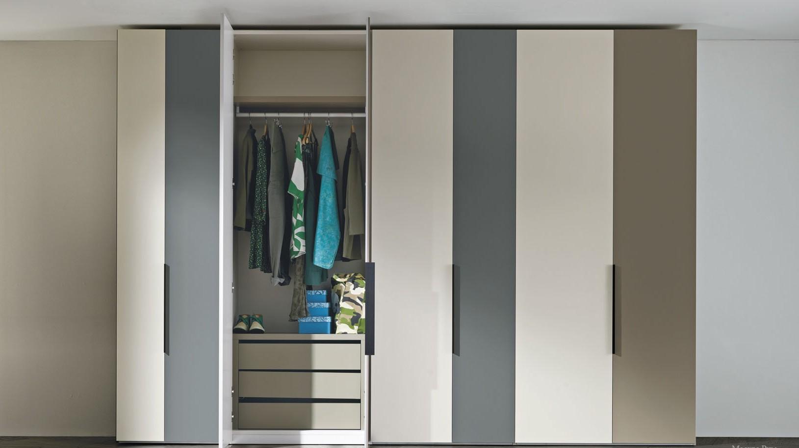 распашной шкаф в прихожую фото дизайна