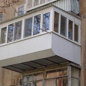 расширение балкона вынос по парапету