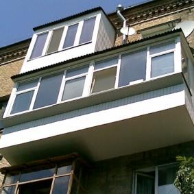 расширение балкона выносом