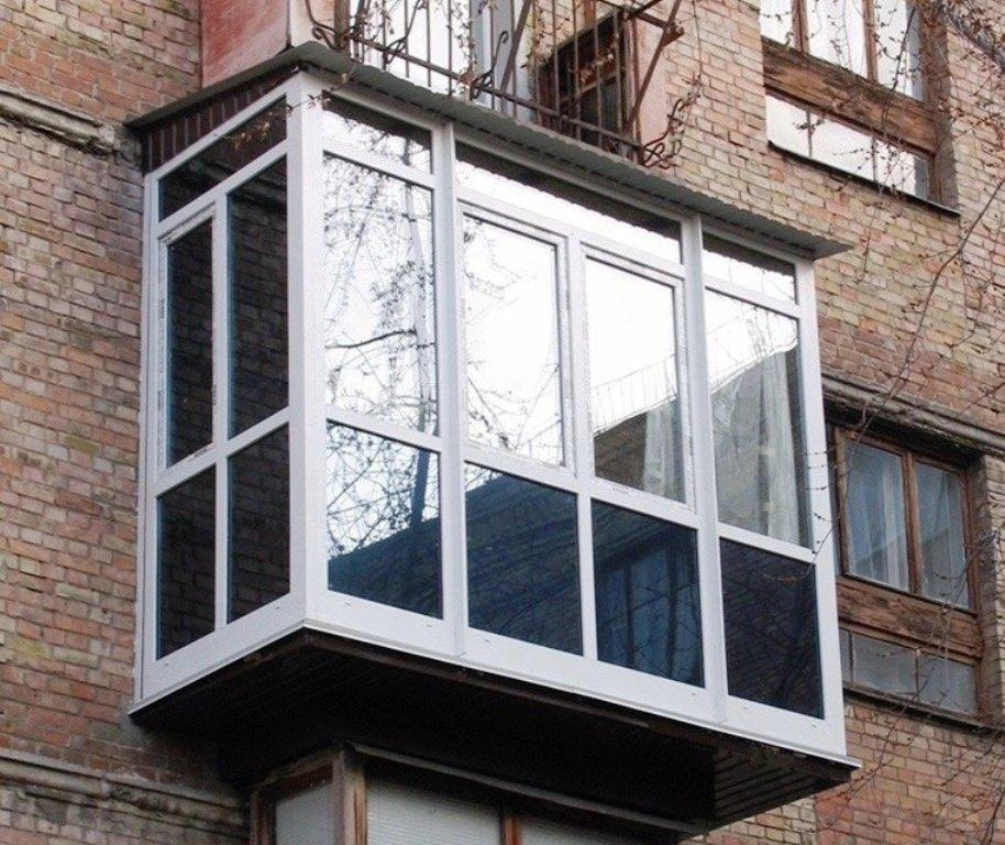 расширение балкона выносом обшивка
