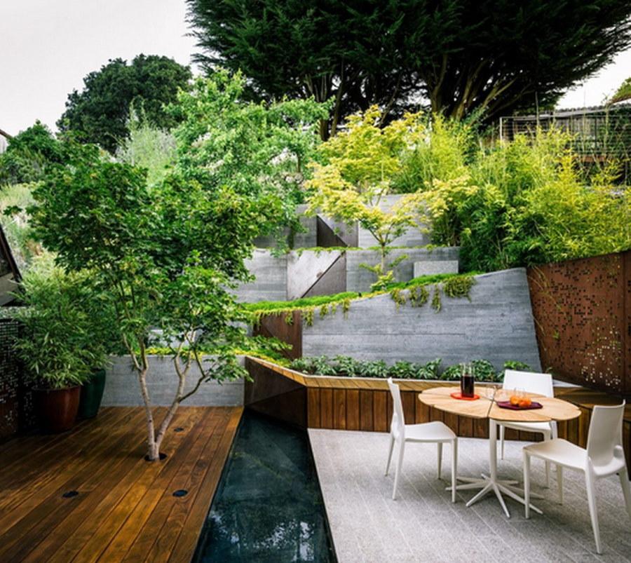Озеленение склона садового участка