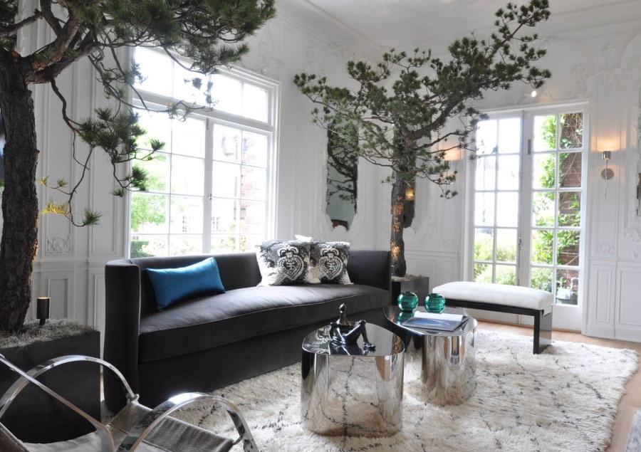 Живые растения в декоре гостиной комнаты