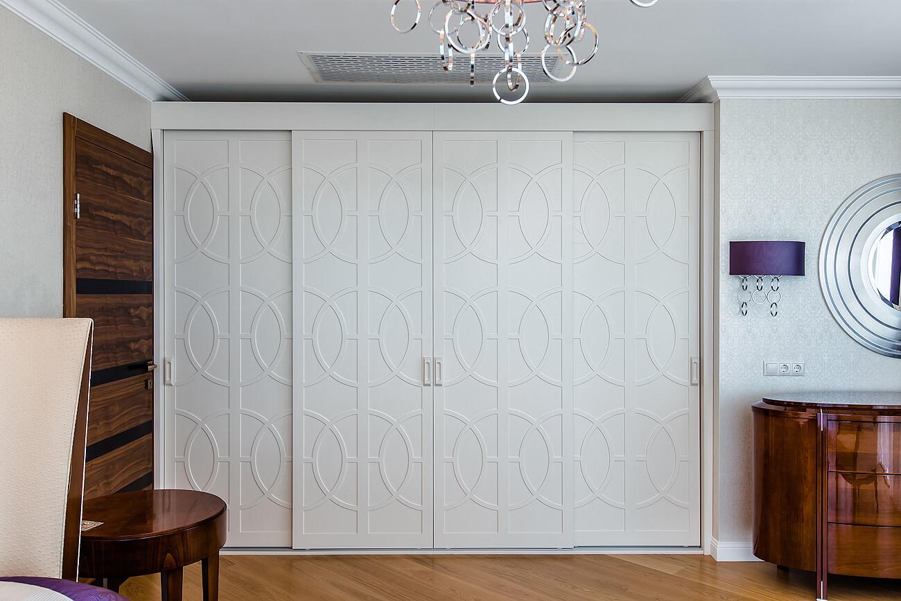 раздвижные двери для гардеробной с фрезеровкой