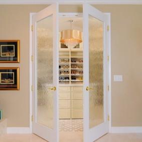 раздвижные двери в гардеробную варианты идеи
