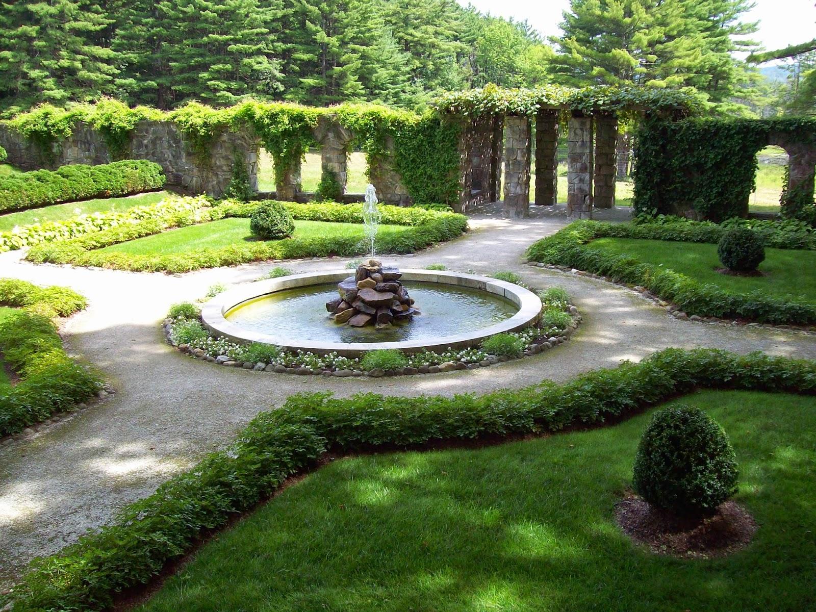 сад в стиле классицизм