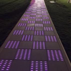 садовая плитка для дорожек с подсветкой