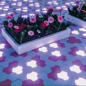 садовая плитка для дорожек с подсветкой фото