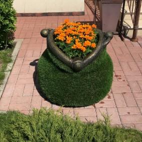 садовые фигуры для дачи из газона