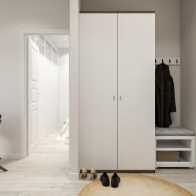шкаф с распашными дверями в прихожую дизайн идеи