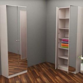 шкаф с распашными дверями в прихожую фото
