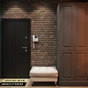 шкаф с распашными дверями в прихожую фото интерьера