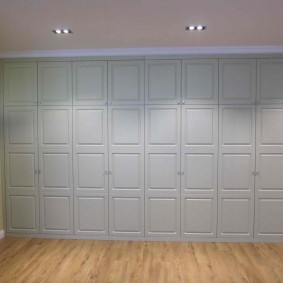 шкаф с распашными дверями в прихожую идеи оформления