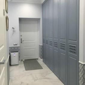 шкаф с распашными дверями в прихожую варианты идеи