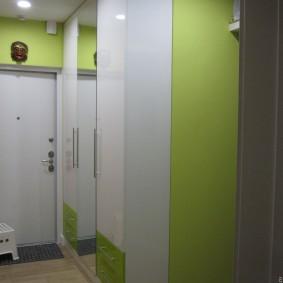 шкаф с распашными дверями в прихожую виды дизайна