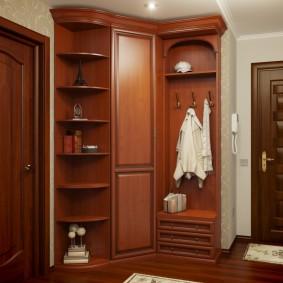 шкаф с распашными дверями в прихожую дизайн