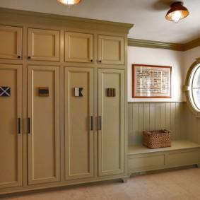 шкаф с распашными дверями в прихожую фото дизайна