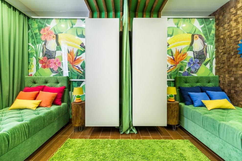 Зеленая штора для зонирования детской комнаты