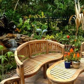 современная садовая скамейка фото идеи