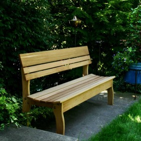 современная садовая скамейка идеи декор