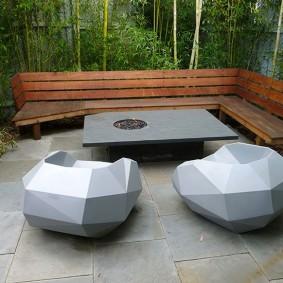 современная садовая скамейка виды декора