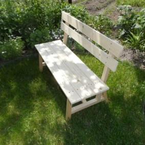 современная садовая скамейка идеи оформление