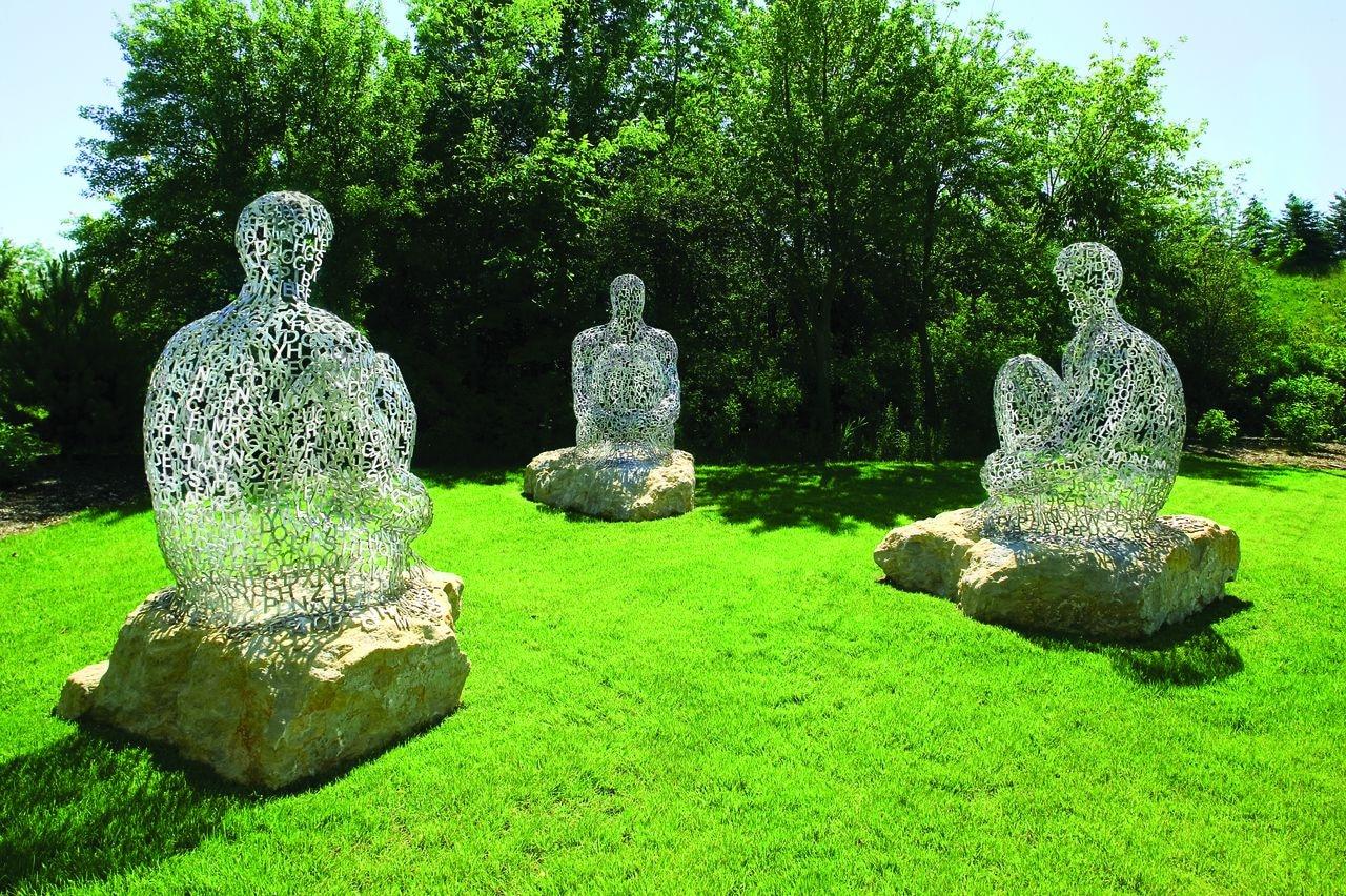 современные садовые фигуры