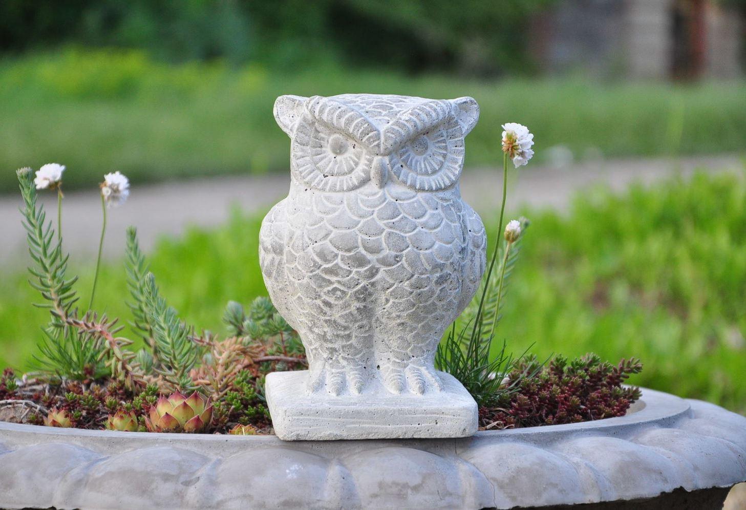 статуэтка садовая сова из бетона