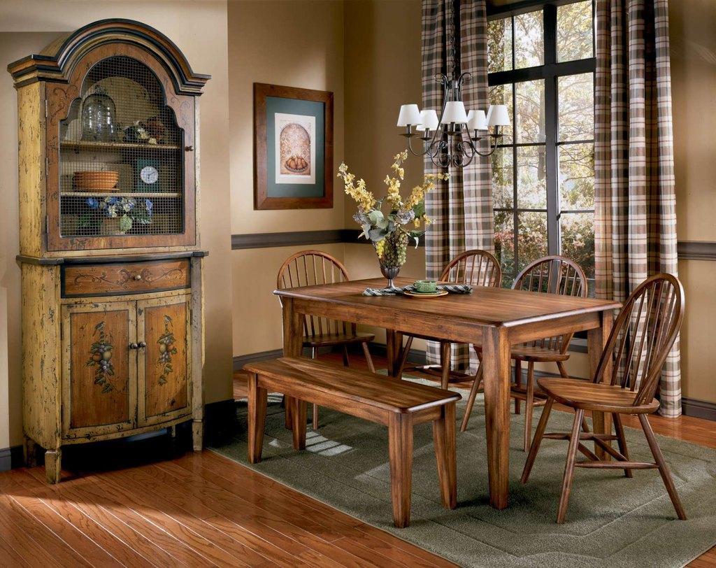 стол и стулья для гостиной кантри
