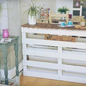 столик в прихожую декор