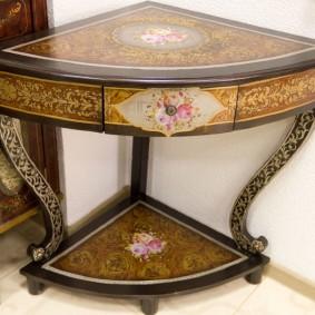 столик в прихожую оформление