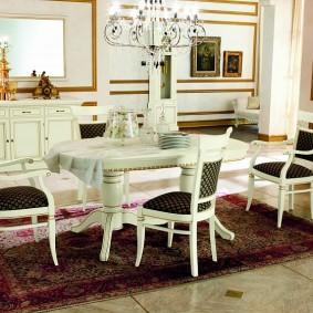 столы и стулья для гостиной виды декора