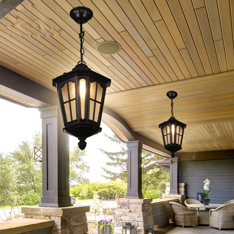 Кованные светильники на деревянном потолке террасы