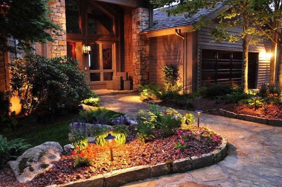 Низкие садовые светильники с теплым светом