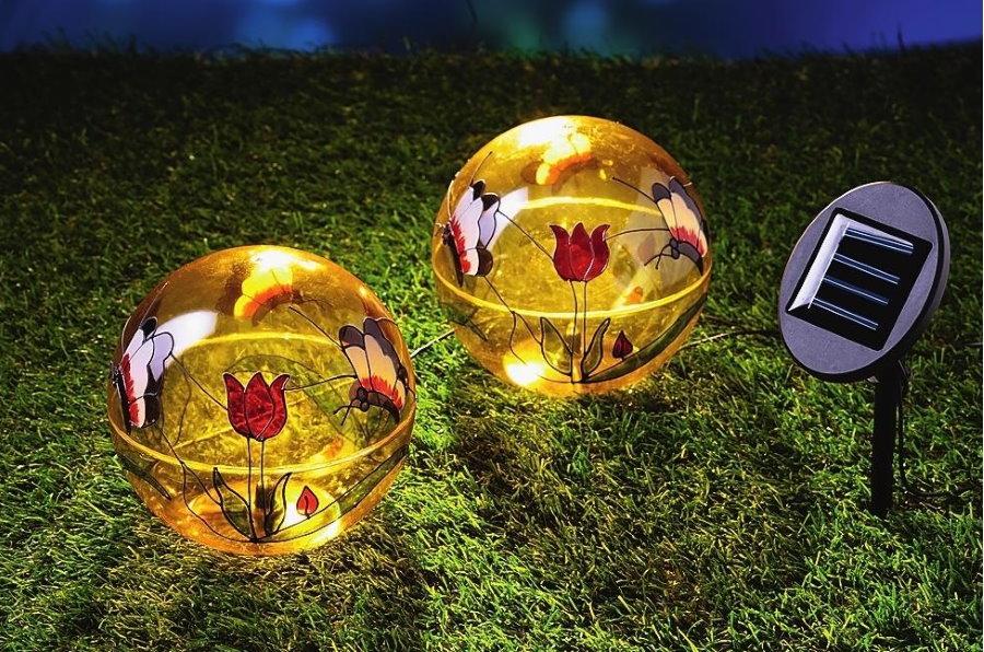Светильники в форме шаров с питанием от солнечной батареи