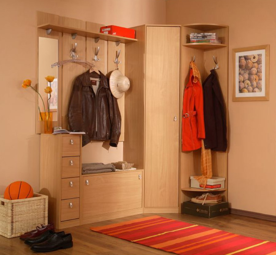 Комплект современной мебели для угла в коридоре