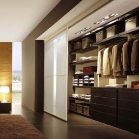 узкая длинная гардеробная варианты